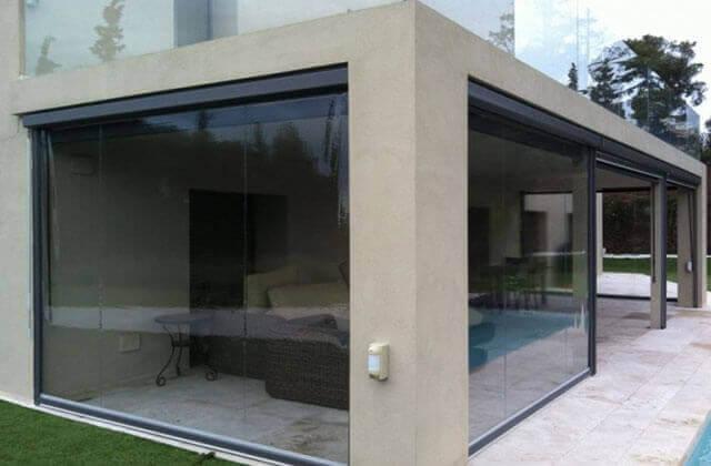 Rulouri exterioare ieftine transparente casetate
